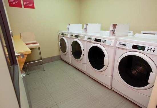 TownePlace Suites Dallas DeSoto/Duncanville: Guest Laundry