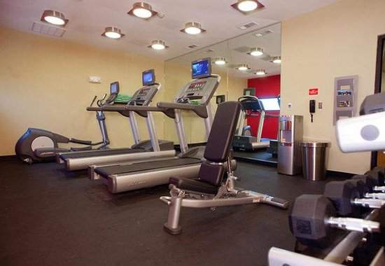 ‪‪TownePlace Suites Dallas DeSoto/Duncanville‬: Fitness Area‬