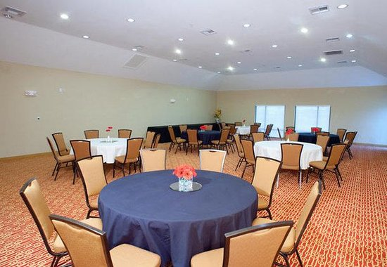 ‪‪TownePlace Suites Dallas DeSoto/Duncanville‬: Meeting Space - Banquet Style‬