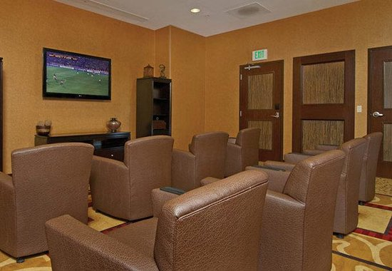 Courtyard Marriott Downtown: Media Room