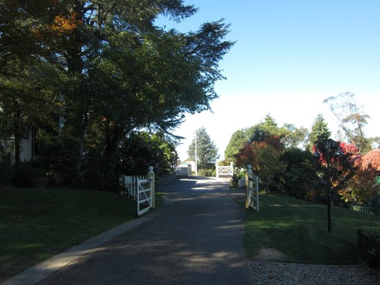 Lilianfels Blue Mountains Resort &amp; Spa: Driveway