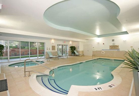 ‪‪Durham‬, ‪North Carolina‬: Indoor Pool & Spa Area‬