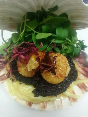 Barry, UK: scallops, black pudding, roast garlic and lemon chutney