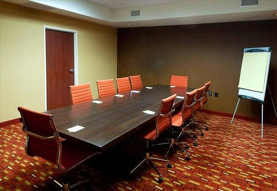 Alexandria, LA: Boardroom