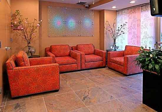 Fairfield Inn & Suites New York Manhattan/Chelsea: Lobby Sitting Area