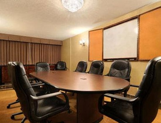 Ramada Plaza Milwaukee Airport Hotel and Conference Center: Meeting Room