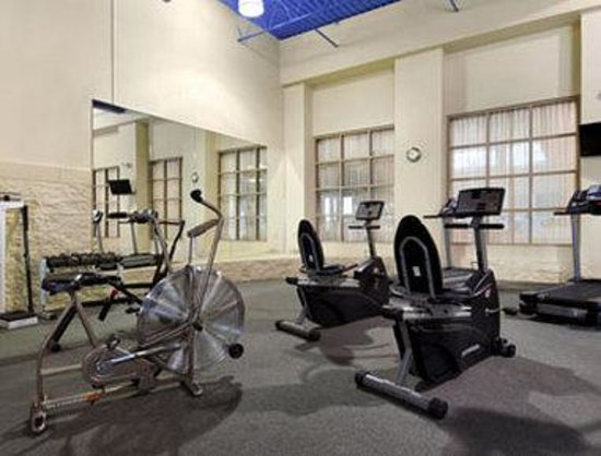 Ramada Plaza Milwaukee Airport Hotel and Conference Center: Fitness Center
