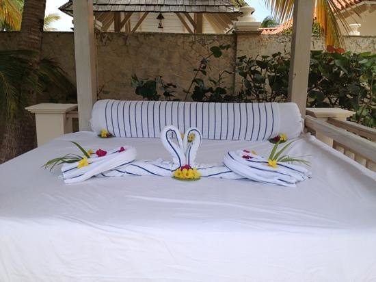 Gran Melia Golf Resort Puerto Rico: Red Level-decorated Bali Bed