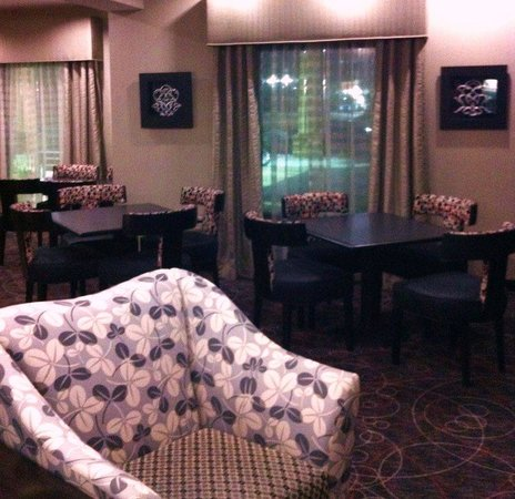 Holiday Inn Express Hotel & Suites Arkadelphia/Caddo Valley: Breakfast Area