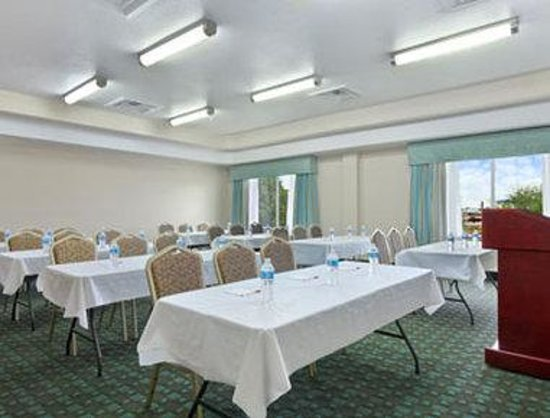 Hewitt, TX: Meeting Room