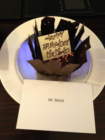 The Mira Hong Kong: Complimentary Bday cake