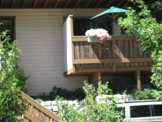 Crestline, Californien: private Balconies