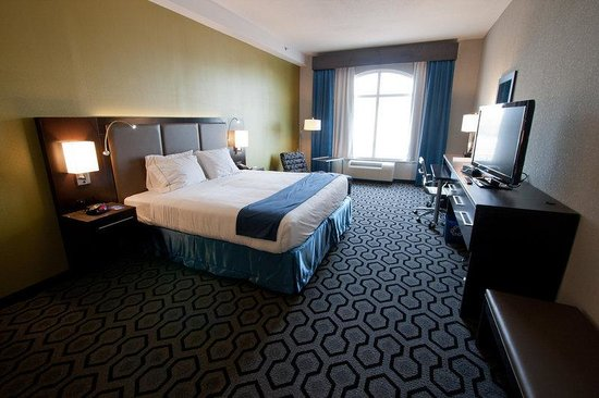 North Charleston, SC: King Suite