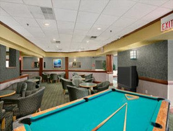 Days Inn Suites and Conference Center: Game Room