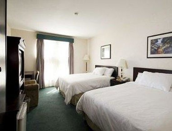 Ramada Hotel: 2 Queen Bed Room