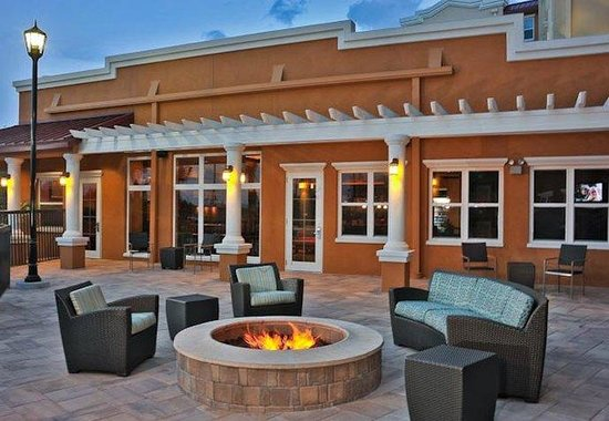 Residence Inn Calgary Airport: Outdoor Area