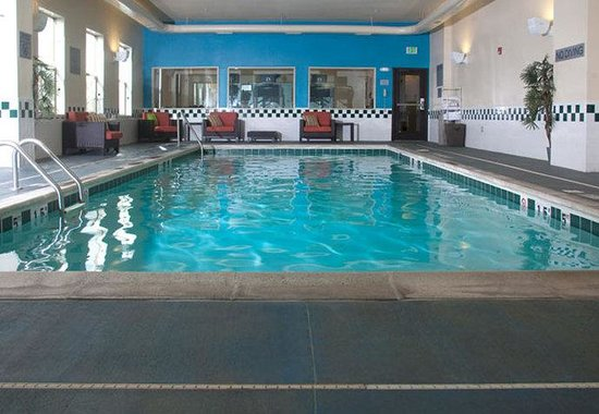 Fairfield Inn & Suites Downtown / Historic Main Street: Indoor Pool