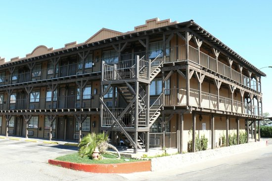 Book The New Pioneer in Laughlin