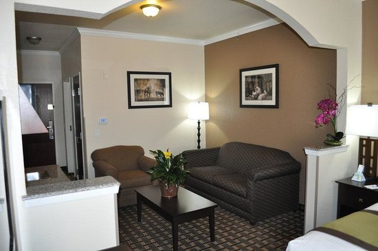 Weatherford, TX : In Room Sitting Area