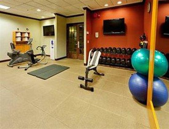 Ramada Plaza Long Island MacArthur Airport Hotel: Fitness Center