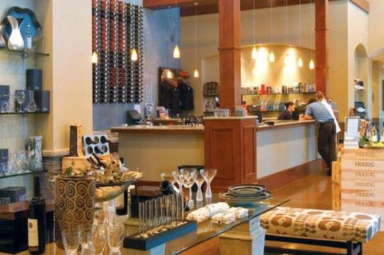 Holiday Inn Express Port Hueneme: Herzog Wine Cellars