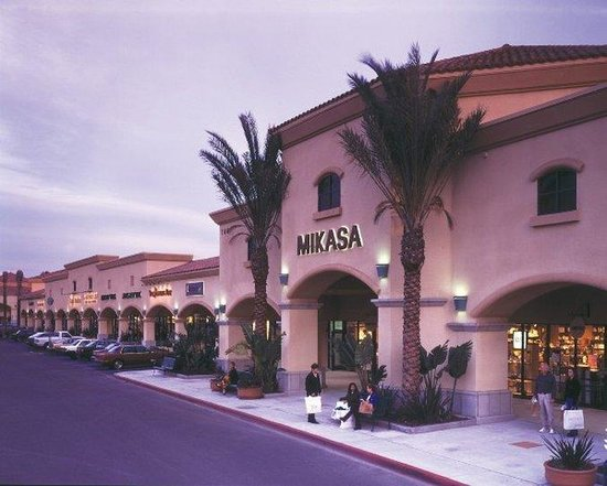 Port Hueneme, Californië: Camarillo Premium Outlets located in Camarillo, California