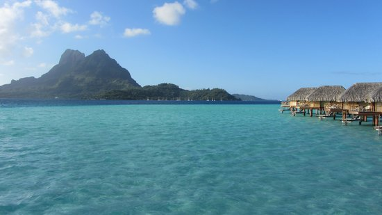 Bora Bora Pearl Beach Resort & Spa: Beautiful water