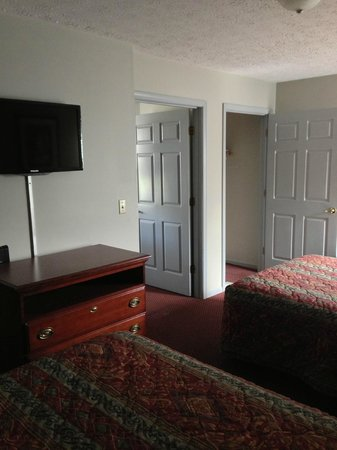 Paducah, KY: One Bedroom Suite