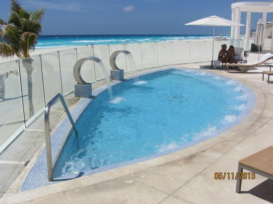 ‪‪Le Blanc Spa Resort‬: Jacuzzi with amazing view‬