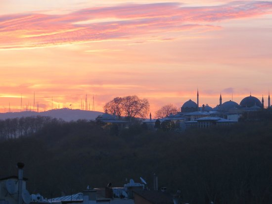 Levni Hotel & Spa: sunrise over Topkapi (view from room #1404)