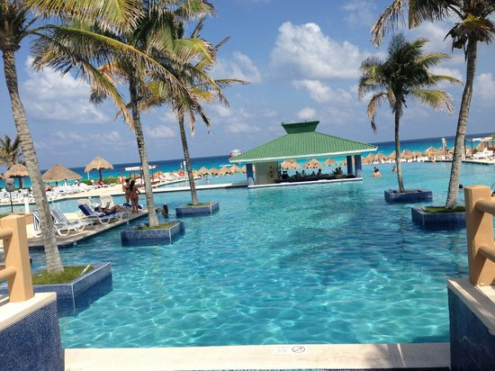 Iberostar Cancun: Pool Area