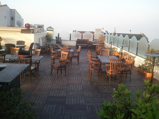 Albatros Premier Hotel: Terrace top deck - great views over The Sea of Marmaris