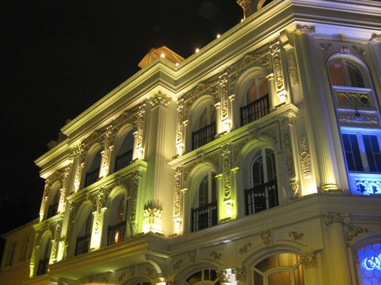 Albatros Premier Hotel: Main facade - fantastic architecture - nobody builds like this now !