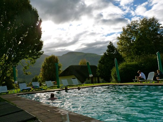 Champagne Castle Hotel: View from poolside.