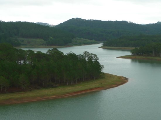 Dalat Edensee Resort & Spa: Lake view