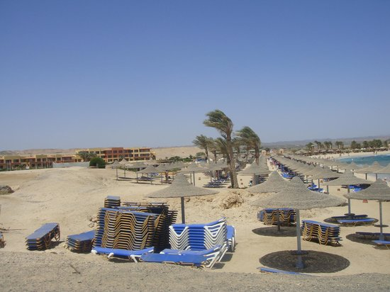 El Malikia Swiss Inn Resort Abu Dabbab: Beach view
