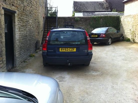 Witney, UK: car park