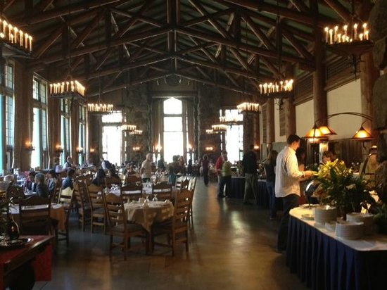 The Ahwahnee: Breakfast dining