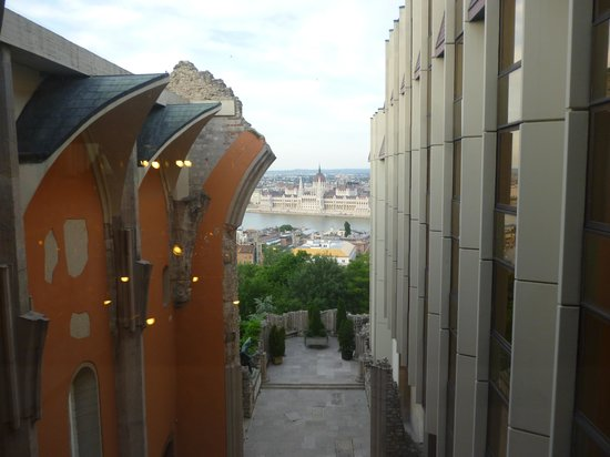Hilton Budapest - Castle District: View from the church during the day