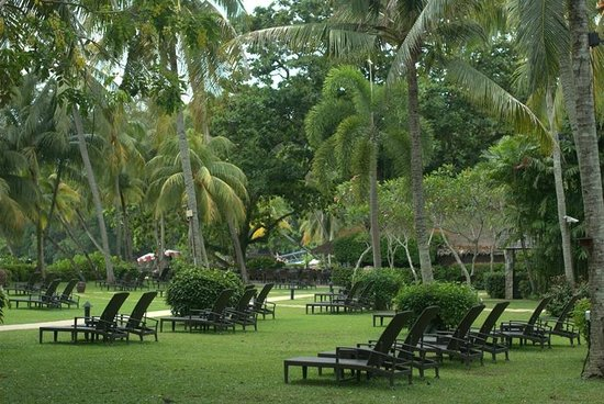 Shangri-La's Rasa Sayang Resort & Spa: Hotel grounds