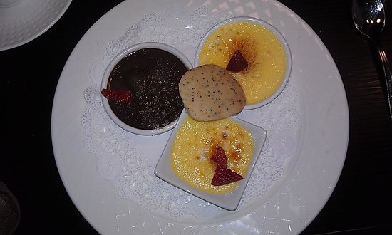 Bedford, NH: Creme Brulee Trio - heaven!