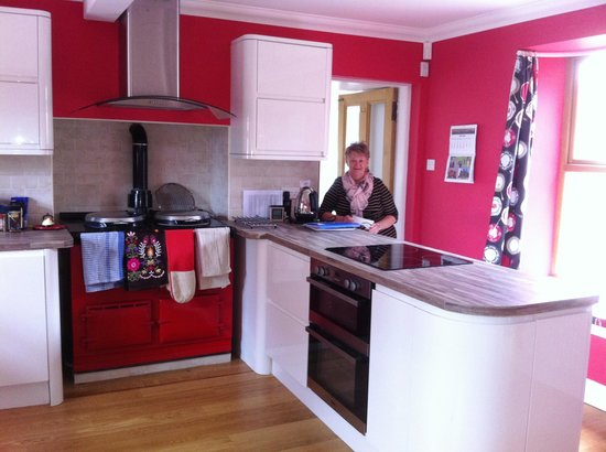 Blairgowrie, UK: Part of the beautiful kitchen
