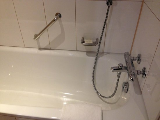 Hilton Copenhagen Airport: Tub