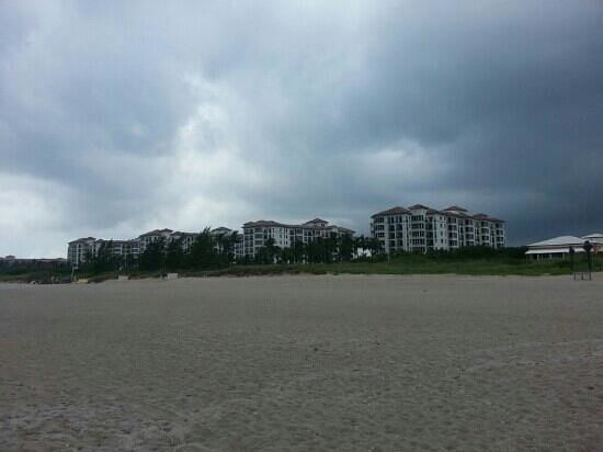 Marriott's Ocean Pointe: from beach