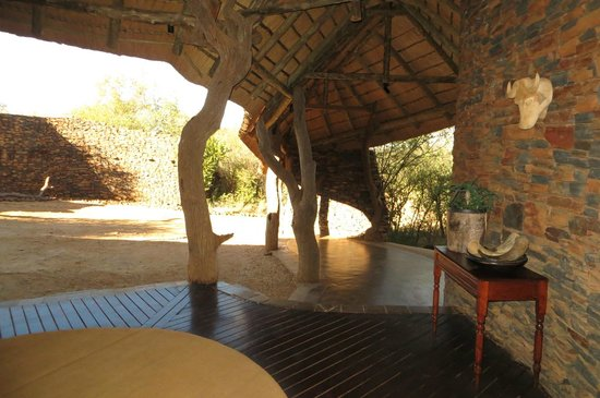Madikwe Safari Lodge: Reception area.