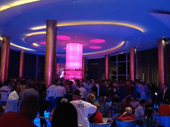 Fontainebleau Miami Beach: Wonderful Lobby Bar !