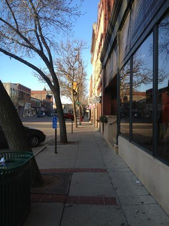 Northfield, MN: A lot of places to dine, bakeries, coffee shops, shopping stores, and of course night life