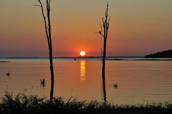Kariba, Zimbabwe: Sunset cruise