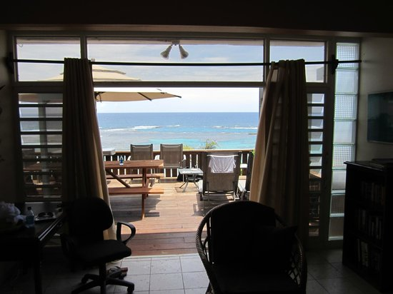 Villa Tropical Oceanfront Apartments on Shacks Beach: View from Living Area