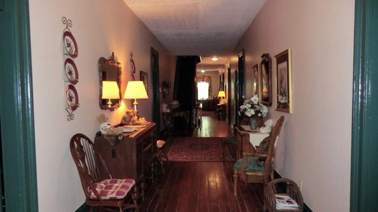 St. Marys, GA: 2nd floor corridor